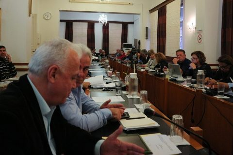 Δύο συνεδριάσεις του Δημοτικού Συμβουλίου Καβάλας 27.12.2017  όλα τα θέματα  20a668a0be7