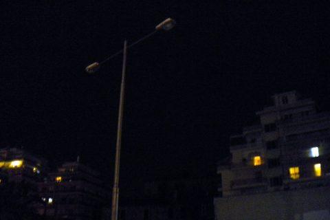 Στο σκοτάδι παραμένουν αρκετοί δρόμοι της Καβάλας μετά το πρόσφατο blackout  (φωτογραφίες) 6b6cfea75ac