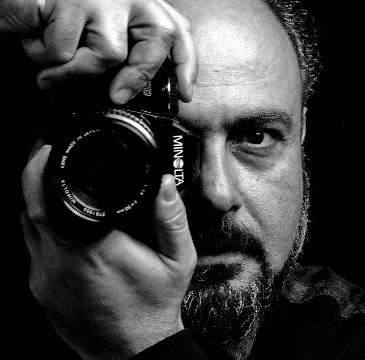 b7c83cc9ec Ένας Καβαλιώτης φωτογράφος «ταξιδεύει» την Καβάλα μέχρι το... Μαϊάμι ...
